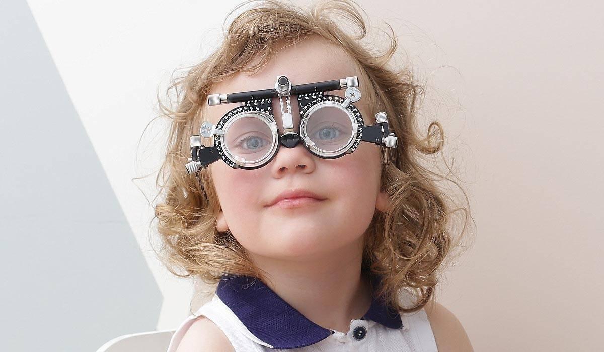 Витамины для детей при близорукости - лечение глаз