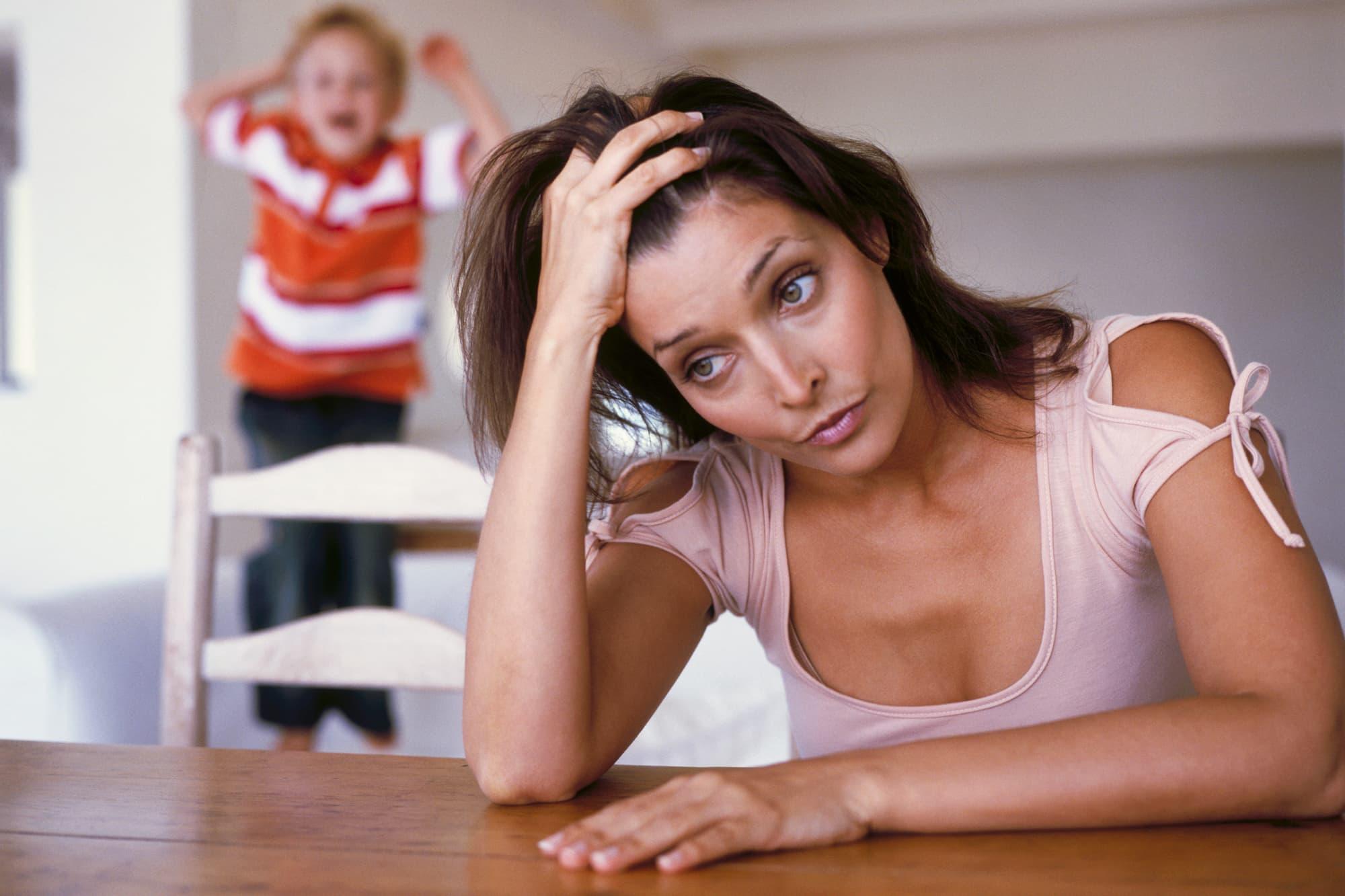 Что делать, если мама бесит? сложности отношений в семье, способы решения проблемы, полезные советы