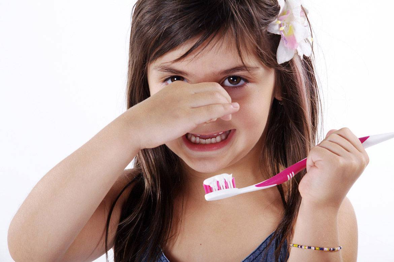 Запах изо рта у ребенка: причины появления, возможные заболевания и их лечение