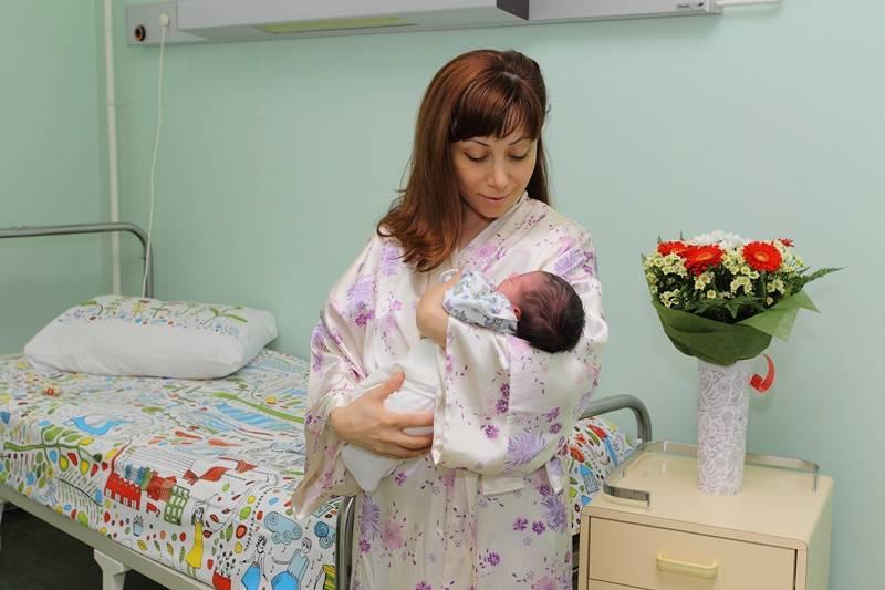 После родов: первые дни пребывания в роддоме к чему готовится?