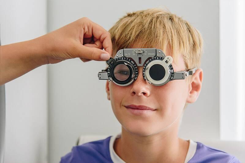 Астигматизм у детей: лечится или нет, причины, аппаратное лечение детских глаз, как лечить гимнастикой и можно ли вылечить ребенка