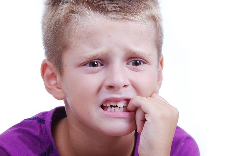 Как быстро отучить ребенка грызть ногти