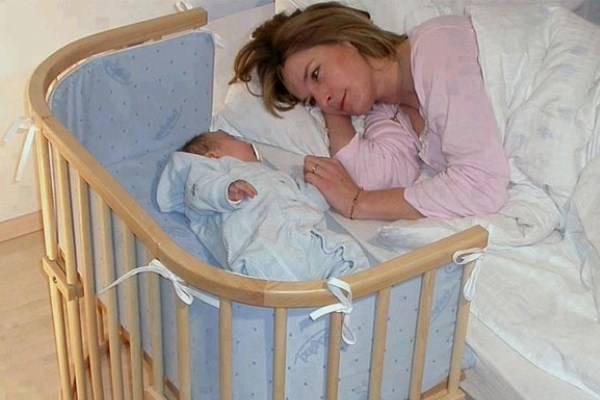 Будить ли новорожденного для кормления и как его разбудить