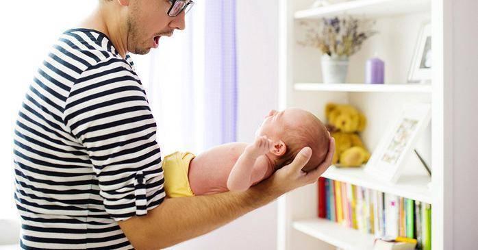 Мама в больнице: как папе справляться с грудным ребенком