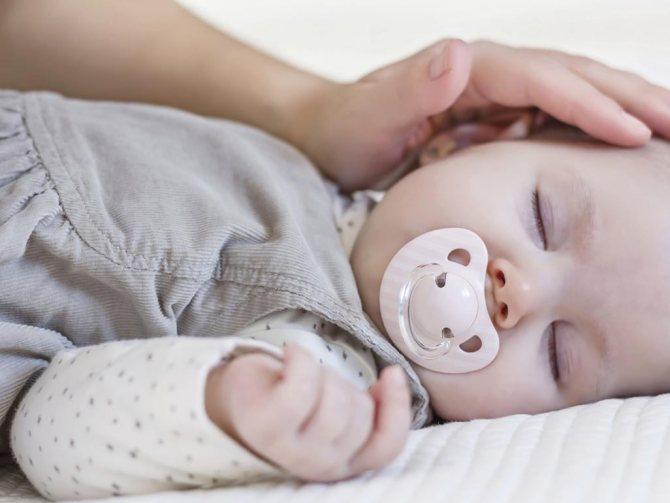 Совместный сон с новорожденным ребенком: за и против