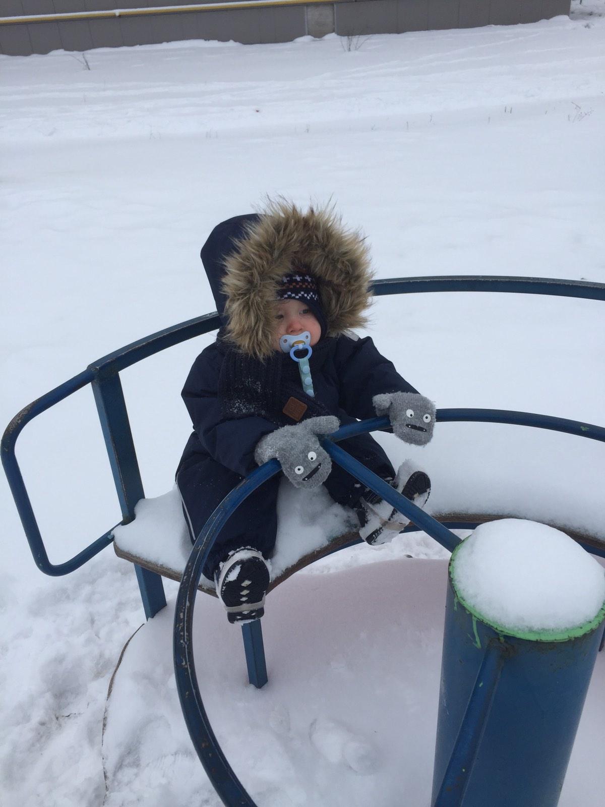 Что делать, если прилип язык на морозе к металлу. что делать, если ребенок примерз языком к железу зимой: меры первой помощи