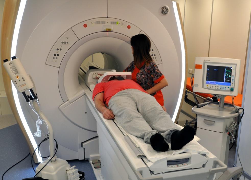 Причины назначения кт головного мозга ребенку, особенности проведения.