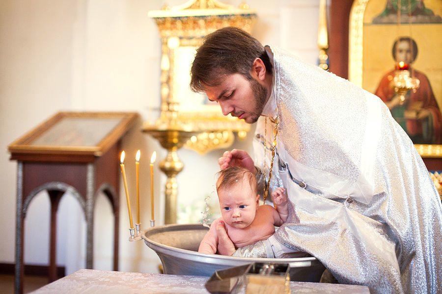 Кто может быть крестным, а кто не может ни при каких обстоятельствах