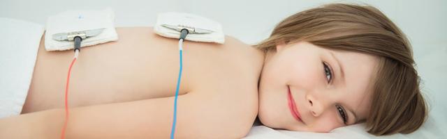 Электрофорез для грудничка на шее: от чего помогает и как его делают