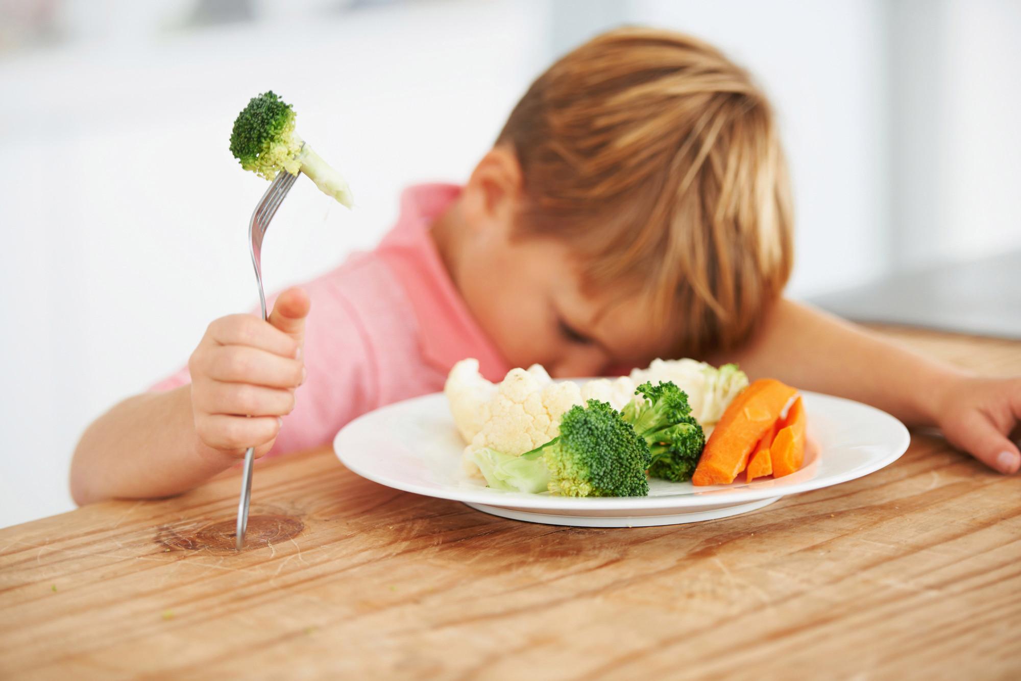 Топ 10 вредных продуктов для детей, от которых следует отказаться