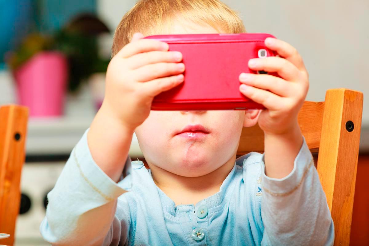 Жуткие последствия цифровой эры: после этого ты запретишь своему ребенку пользоваться гаджетами!