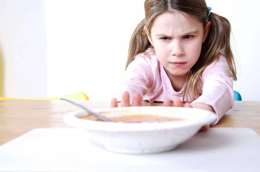 Ребенок не хочет есть в детском саду: что делать?