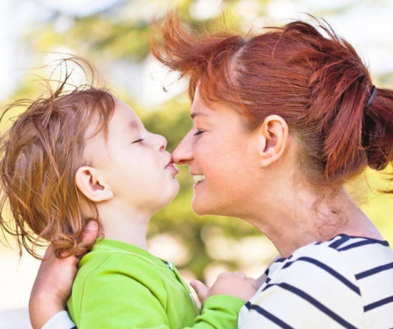 Как показать ребёнку свою любовь - упражнения и обучающее видео
