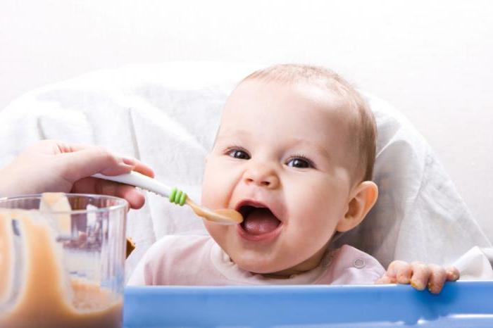 Что делать, если новорожденный засыпает во время кормления