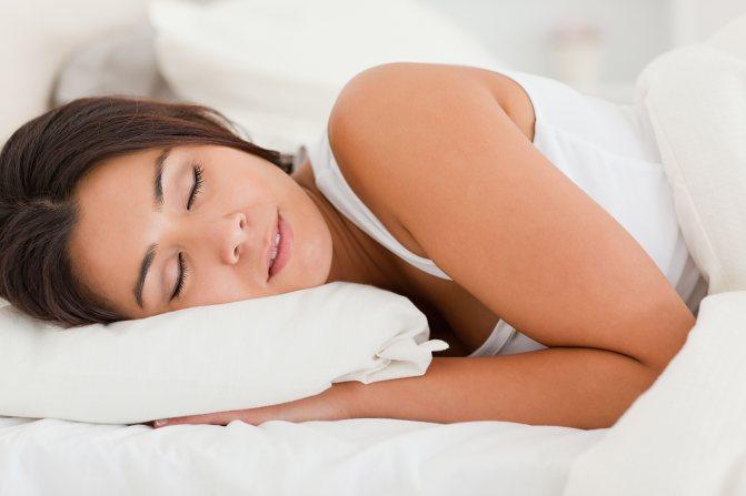 Причины храпа и остановки дыхания во сне