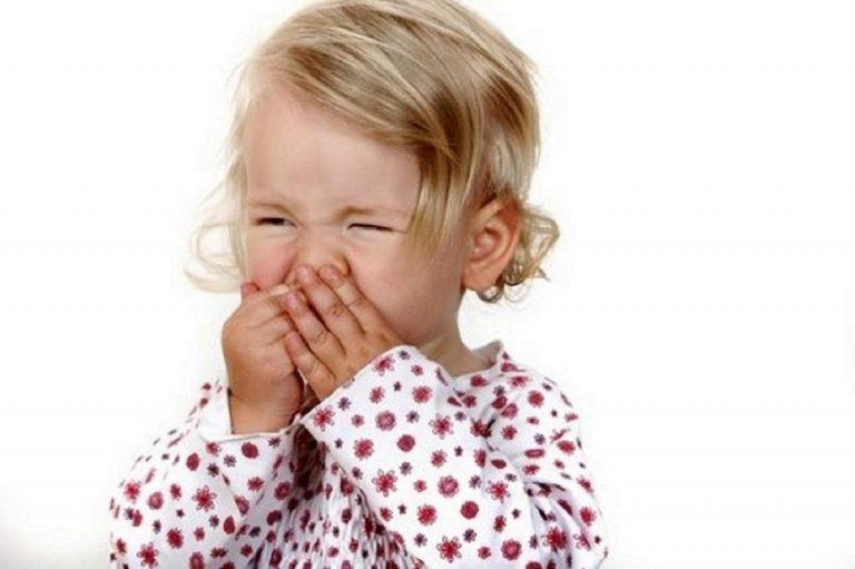 Основные причины, симптомы и лечение аллергического ринита у ребенка