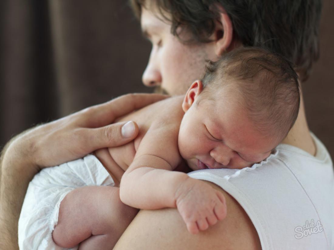 Как держать новорожденного после кормления