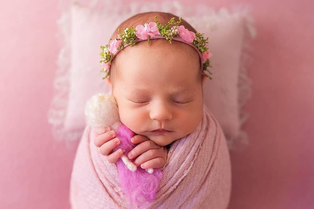 Уход за новорожденным: что понадобится маме и малышу в первый месяц