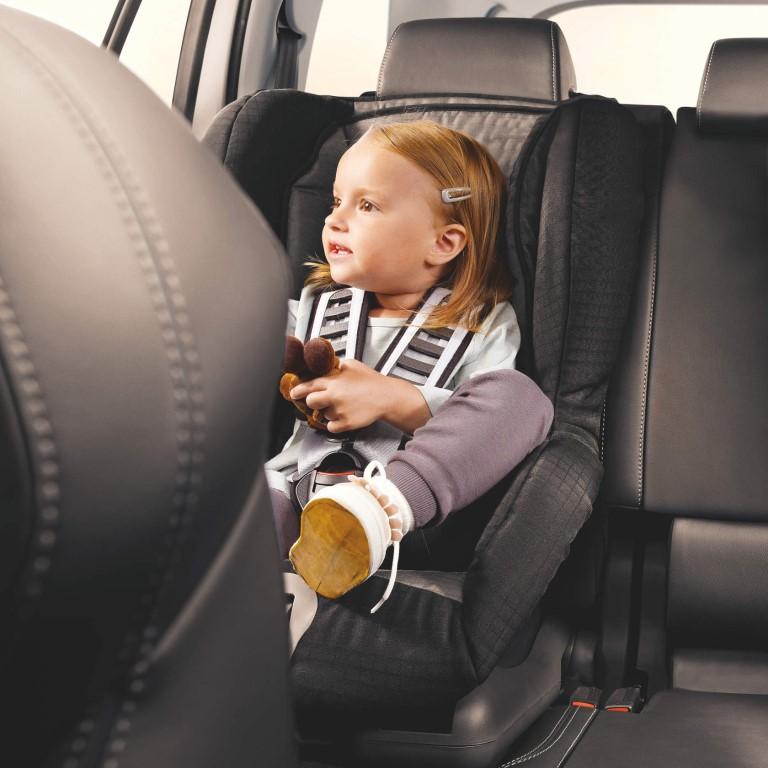 Путешествие с грудным ребенком: важные моменты
