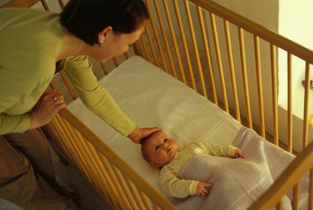 Как отучить ребёнка от укачивания перед сном