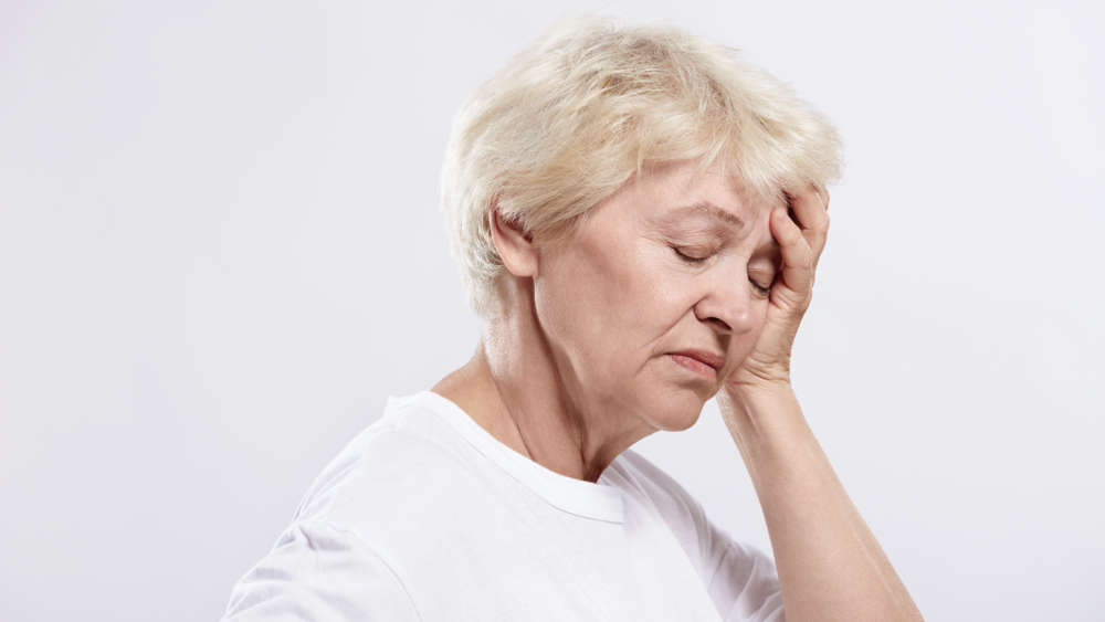 Кашель на нервной почве: причины, симптомы, лечение
