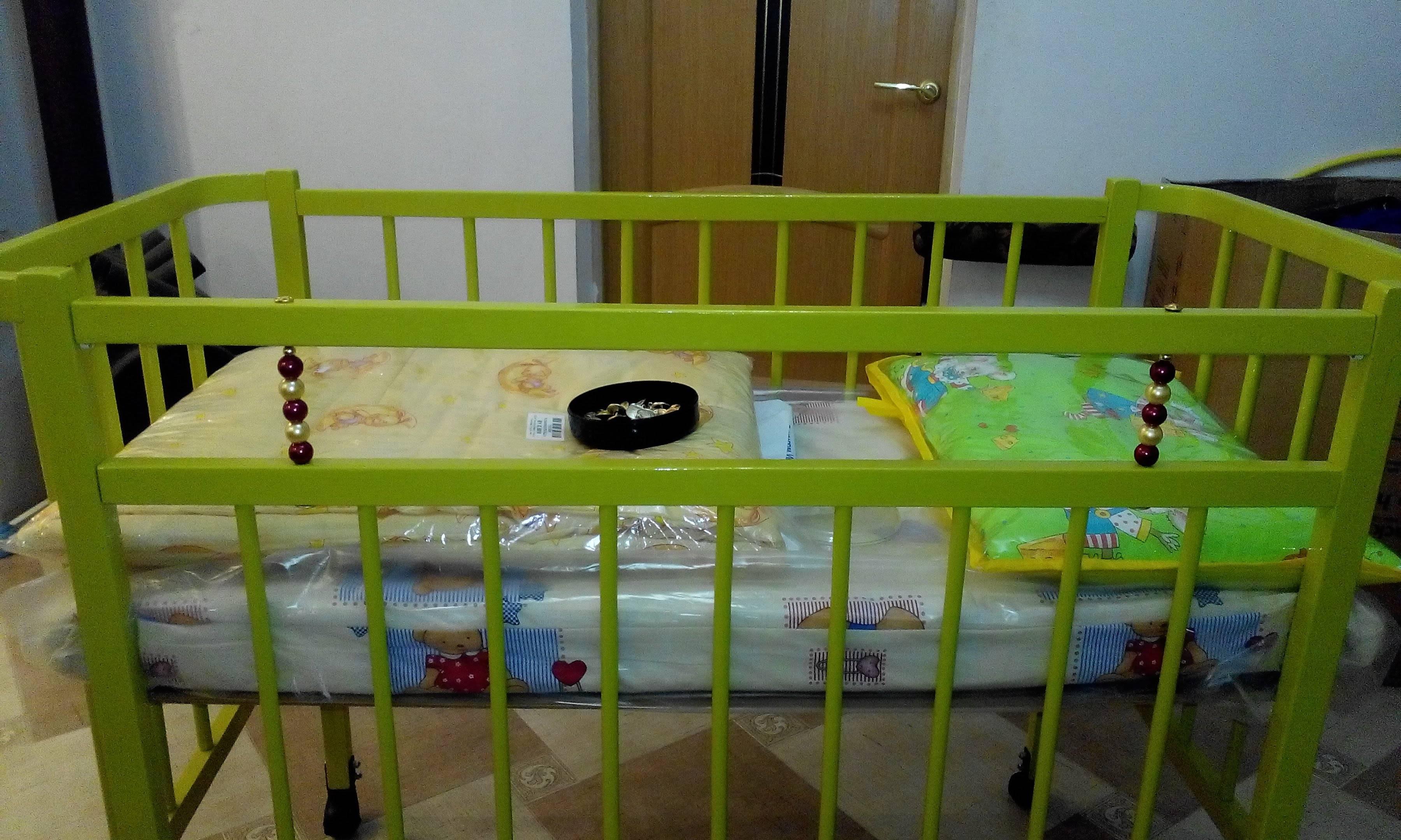 Краска для детской кроватки: как выбрать безопасную