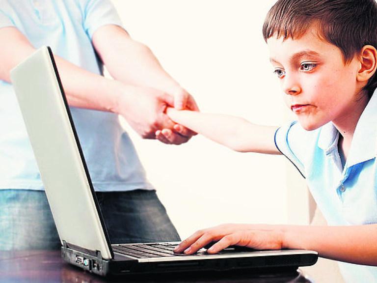 Чем отвлечь ребенка от компьютерных игр?