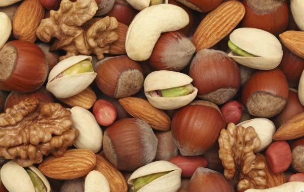 Грецкие орехи при беременности: в чем польза и вред, как часто кушать?
