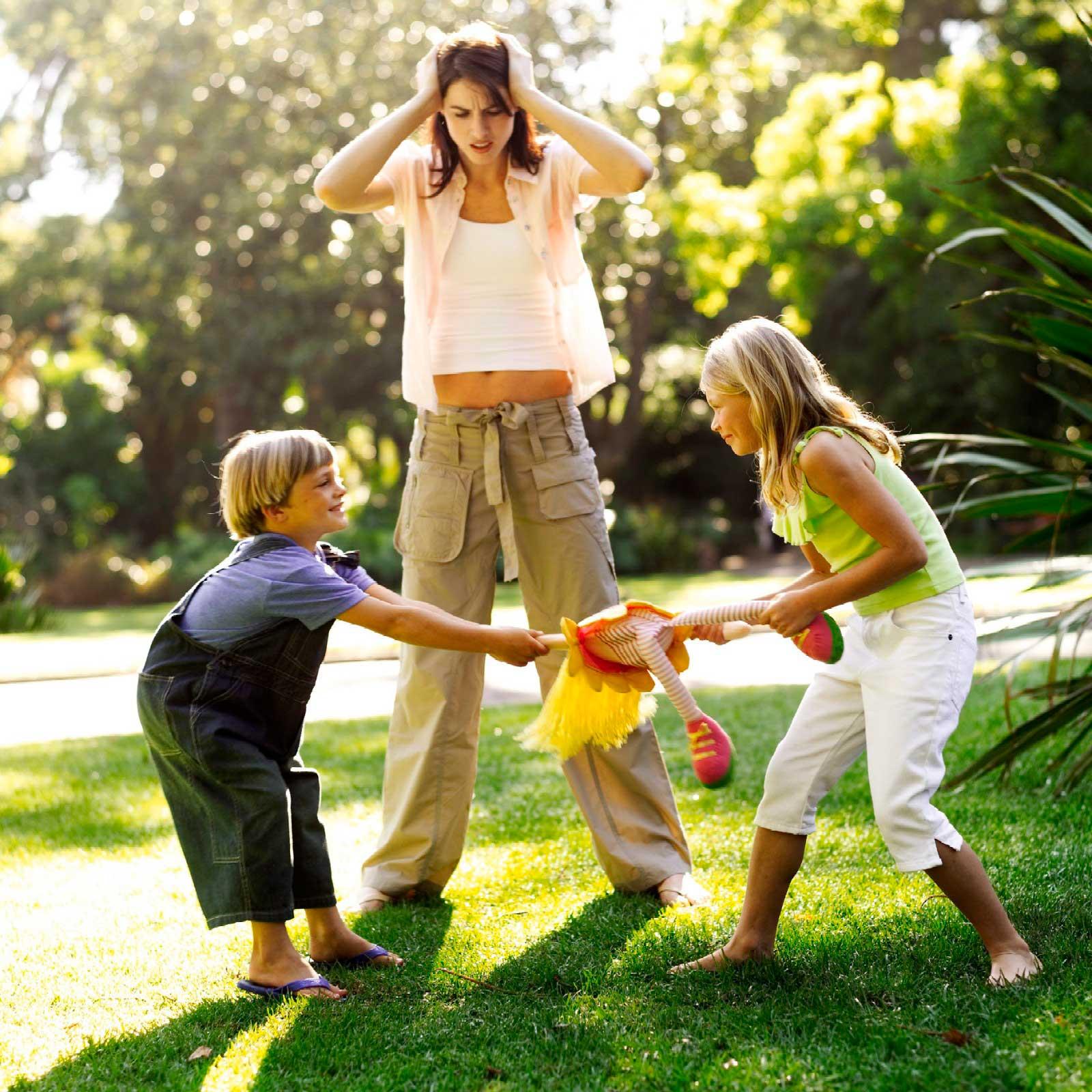 Конфликты на детской площадке: как не довести до драки?
