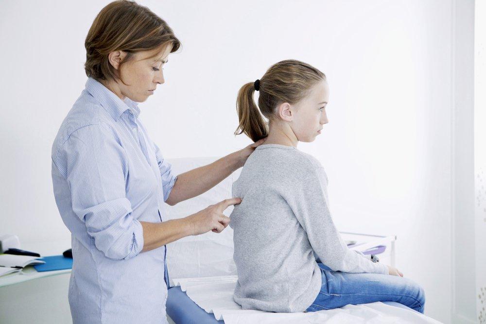 Сколиоз у детей: симптомы и лечение, эффективные упражнения и профилактика