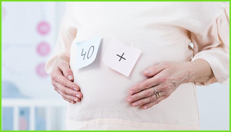 Беременность после 35 лет: риски и возможности