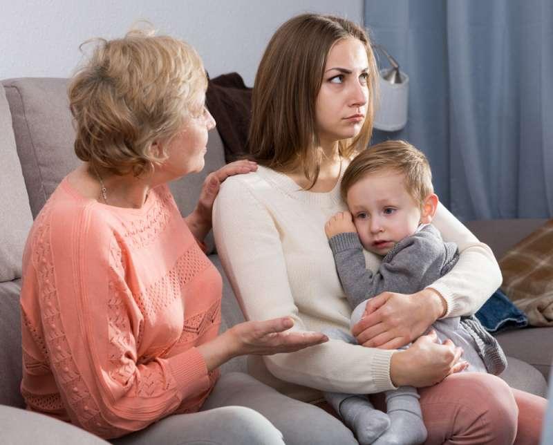 Гиперопека со стороны бабушки - угроза воспитанию свободной личности