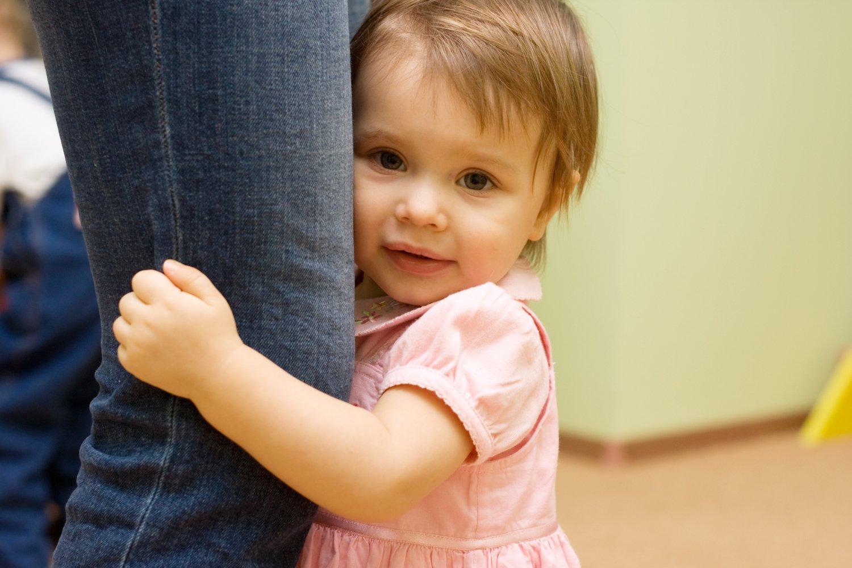 Ребенок стесняется: что делать родителям? | отвечает детский психолог ольга товпеко