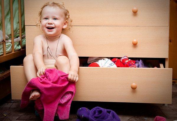 Мамины хитрости: учим ребенка одеваться самостоятельно