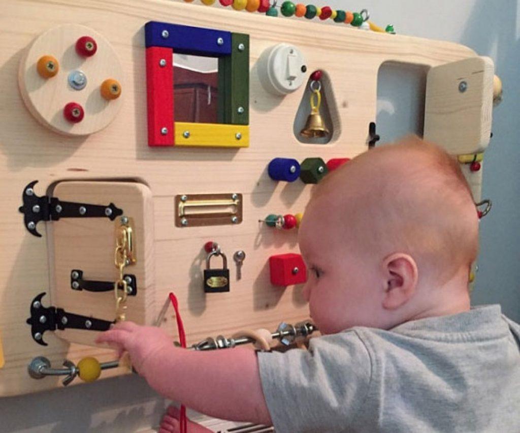 Топ 10 развивающих игрушек для детей до 1 года | проделки феи
