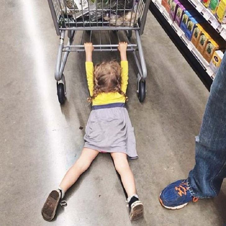 Как увести ребенка с детской площадки домой без боя. наш ребенок.