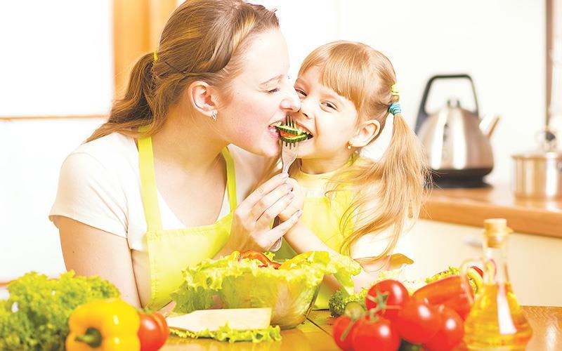 Как заставить ребёнка есть овощи - развитие ребенка