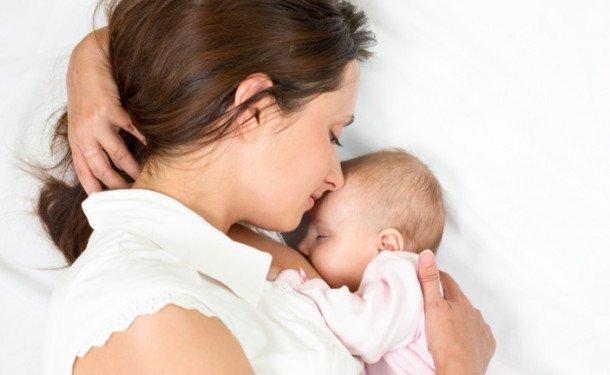 Можно ли кормить грудным молоком и смесью одновременно новорожденного