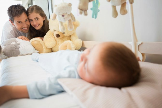 Почему новорожденный ребенок мало спит