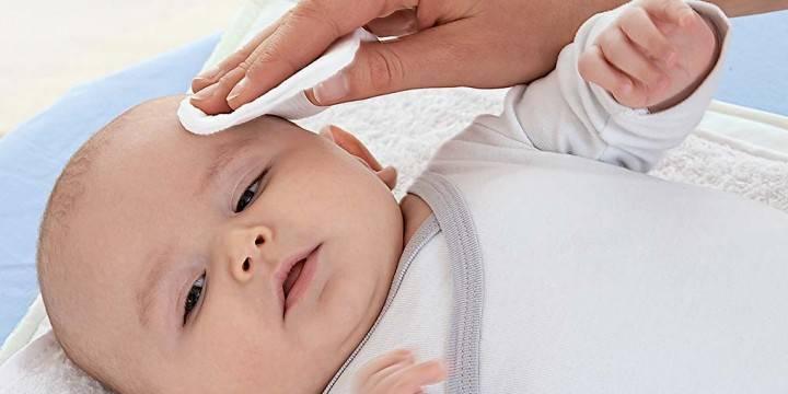 Уход за кожей новорожденного. уход за кожей лица, уход за пупочной ранкой, шелушение кожи новорожденного, подмывания ребенка и уход за областью промежности, купание новорожденного, массаж для новорожденных. :: polismed.com