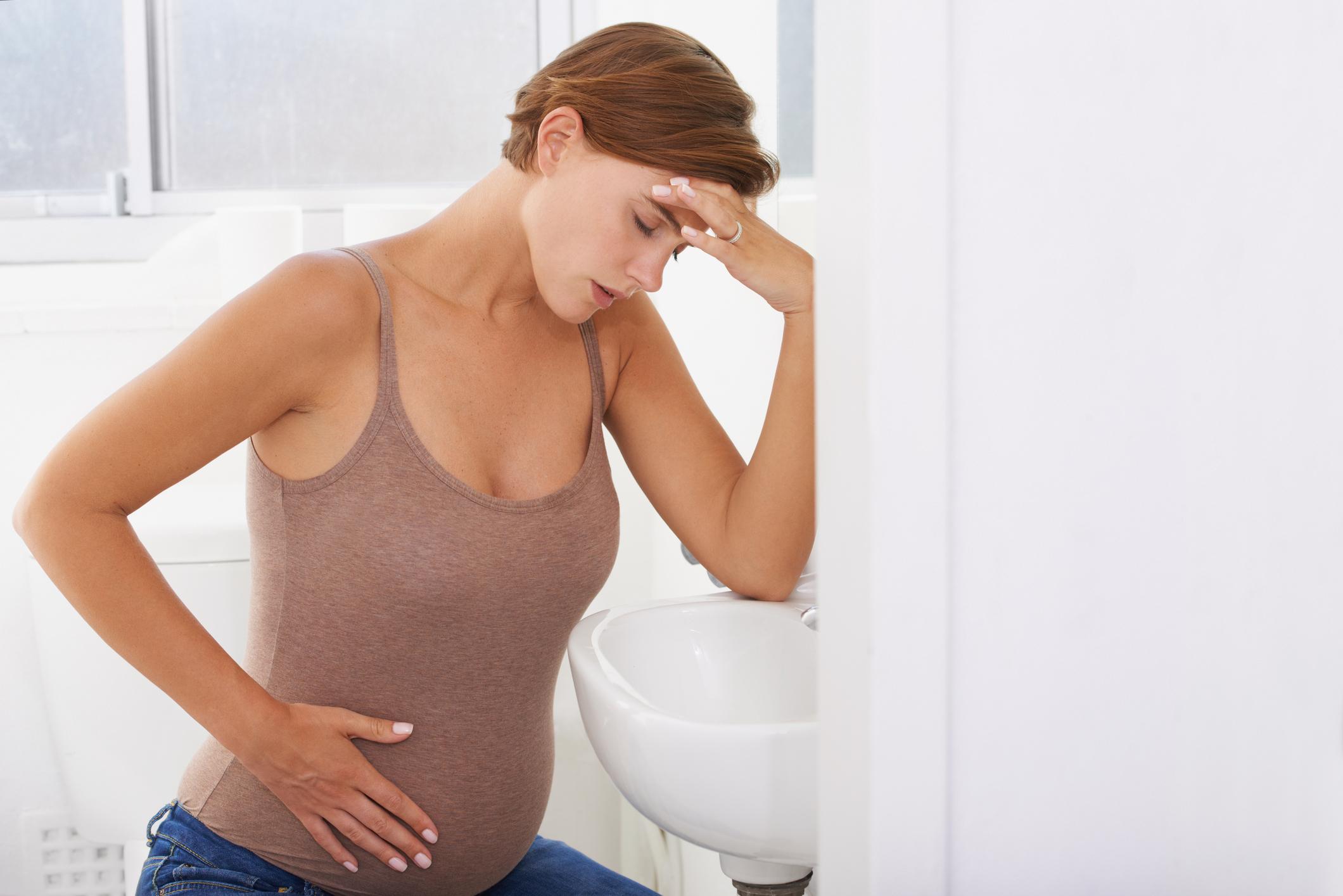 Токсикоз при беременности. причины тошноты на ранних сроках и лечение.