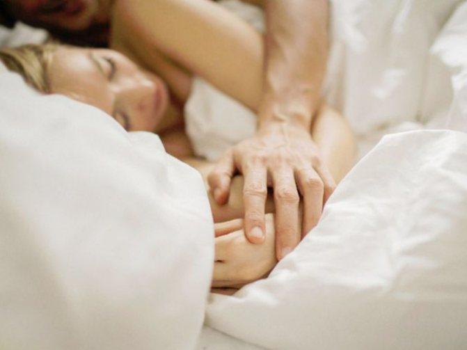 Половой акт при беременности: в первом, втором, третьем триместре, с презервативом или без