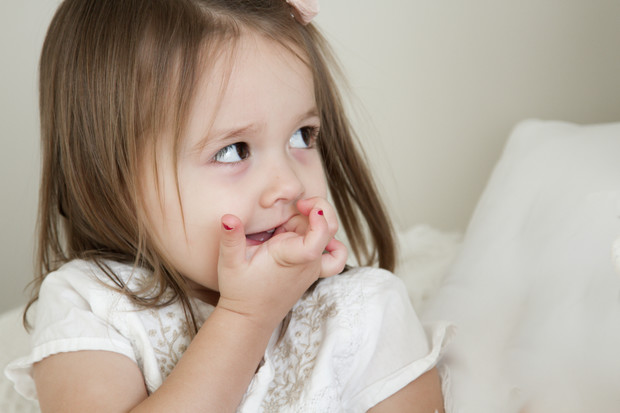 Как отучить ребенка грызть ногти на руках (советы психолога)