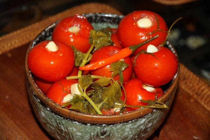 Можно ли свежие огурцы и помидоры кормящей маме