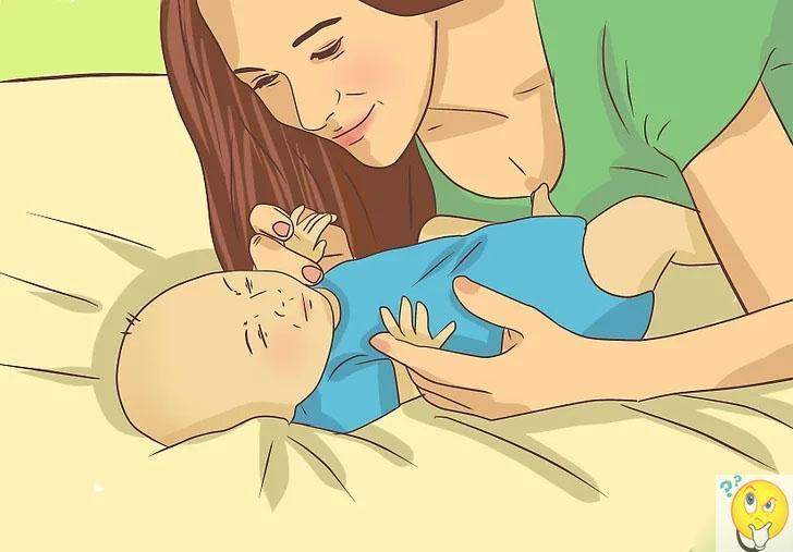 Нужно ли будить грудничка для кормления