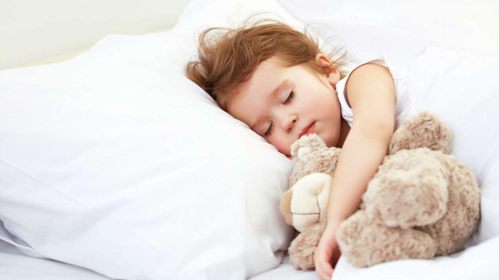 Ребенок спит только на руках (а положишь просыпается)