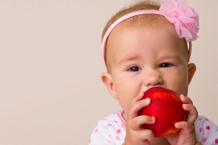 Персик: первый прикорм для грудничка