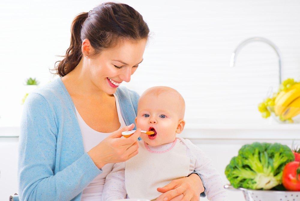 Фрукты в питании кормящей мамы