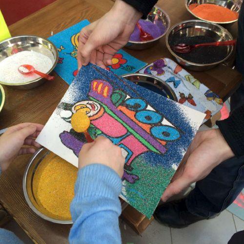 Рисуем цветным песком - творческая мастерская для детей и не только - страна мам