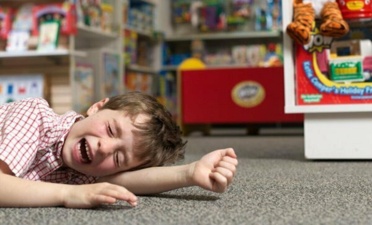 Детские истерики: причины, признаки и как помочь ребенку | рейтинг клиник